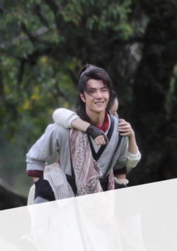 Bỏ bê không đến phim trường thăm vợ, Phùng Thiệu Phong và Triệu Lệ Dĩnh rơi vào thời kỳ chiến tranh lạnh?-6