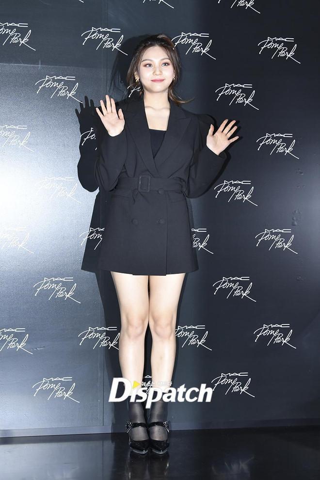 Nữ thần tượng xấu nhất Kpop xuất hiện xinh đẹp nhờ giảm cân, đổi kiểu make up-1