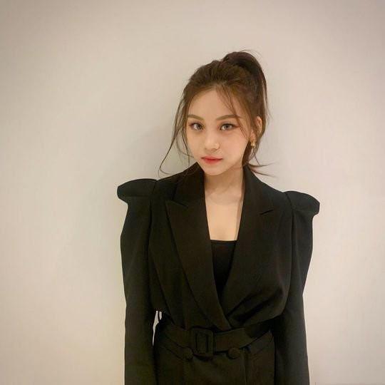 Nữ thần tượng xấu nhất Kpop xuất hiện xinh đẹp nhờ giảm cân, đổi kiểu make up-4