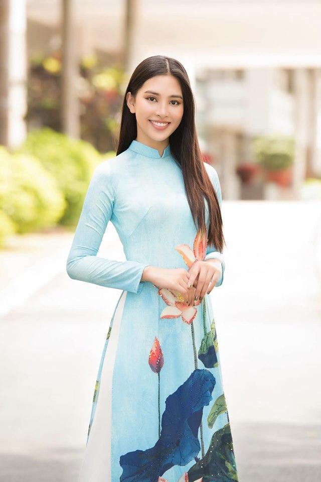Mặc sai quá sai, hoa hậu Trần Tiểu Vy bị nhận xét giống hệt Phi Thanh Vân - Phương Vy Idol-5