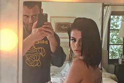 Ảnh bán nude của Selena Gomez gây chú ý trở lại