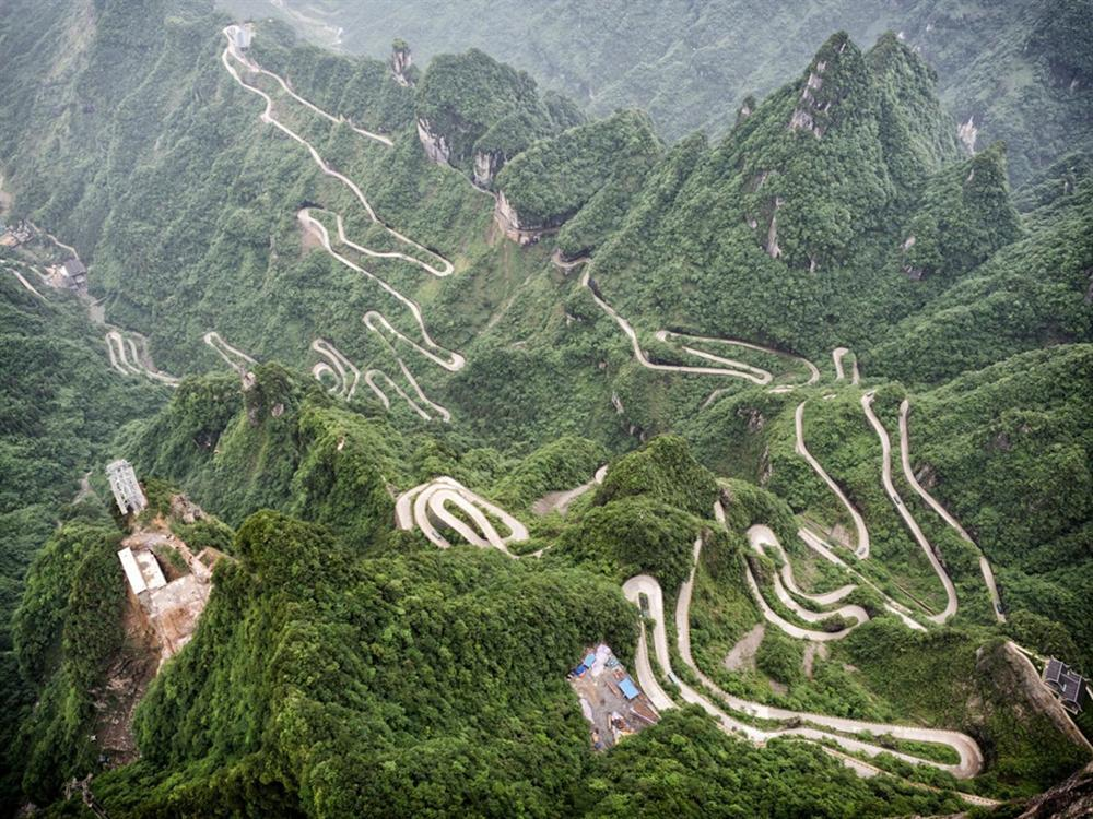 9 cung đường đèo nguy hiểm thế giới, thách thức mọi tay lái-4