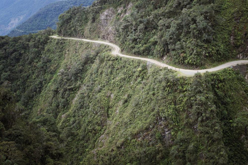 9 cung đường đèo nguy hiểm thế giới, thách thức mọi tay lái-6