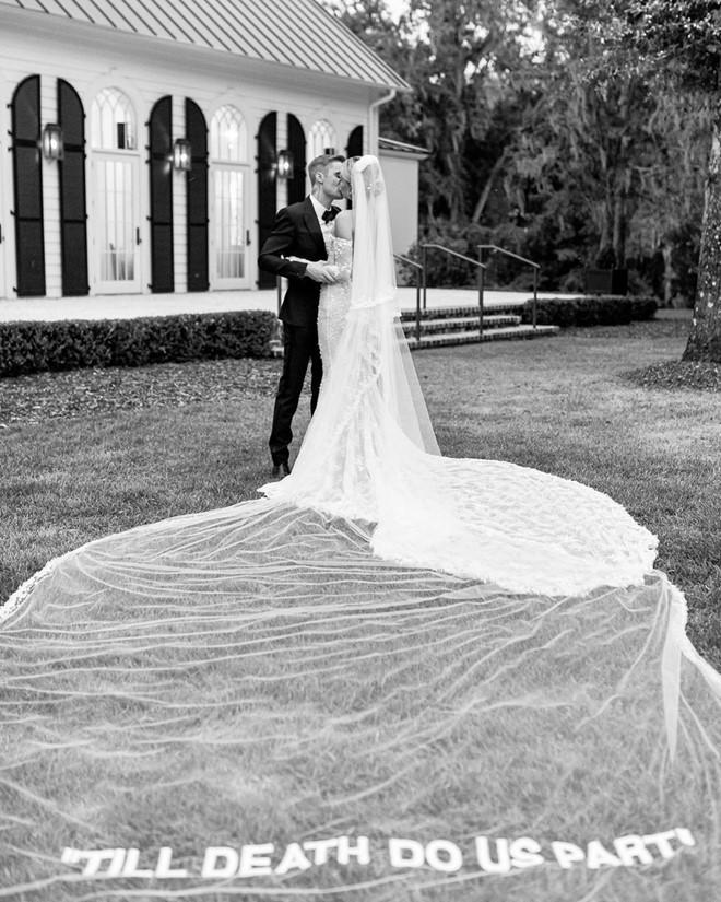 Vợ Justin Bieber khoe ảnh cưới: Cho đến khi cái chết chia lìa đôi ta-1