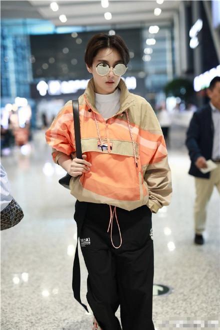 Lý Mạc Sầu Trương Hinh Dư cắt tóc ngắn, đẹp trai bất chấp mọi soái ca-10