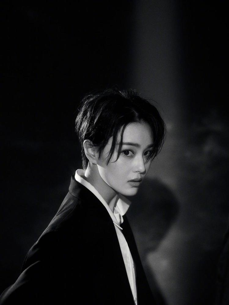 Lý Mạc Sầu Trương Hinh Dư cắt tóc ngắn, đẹp trai bất chấp mọi soái ca-5