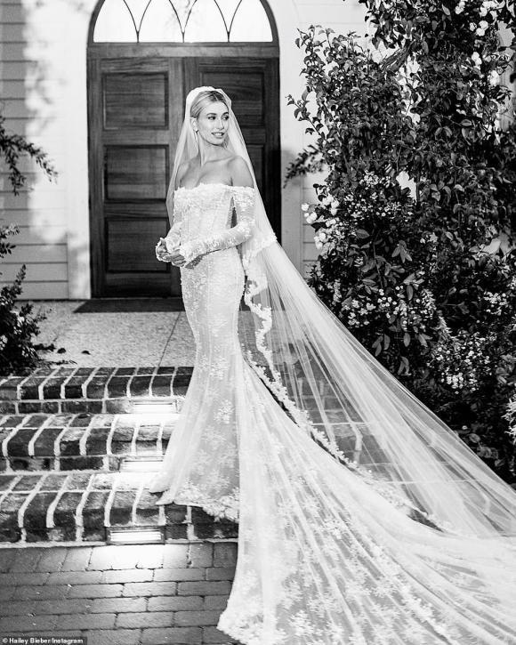 Một tuần sau đám cưới thế kỷ, dân tình mới được ngắm chiếc váy cưới siêu lộng lẫy của bà xã Justin Bieber-3