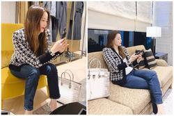 Đệ nhất mỹ nhân Hàn Kim Hee Sun khoe khéo túi da cá sấu bạch tạng quý hiếm như Kylie Jenner