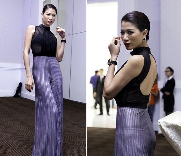 Muôn kiểu thời trang lộ nội y khi livestream của thánh chửi Trang Trần-9