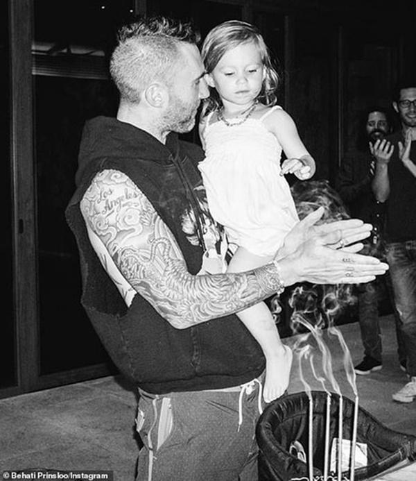 Adam Levine, ca sĩ chính Maroon 5 đau khổ vì con gái không thích nghe nhạc của cha-2