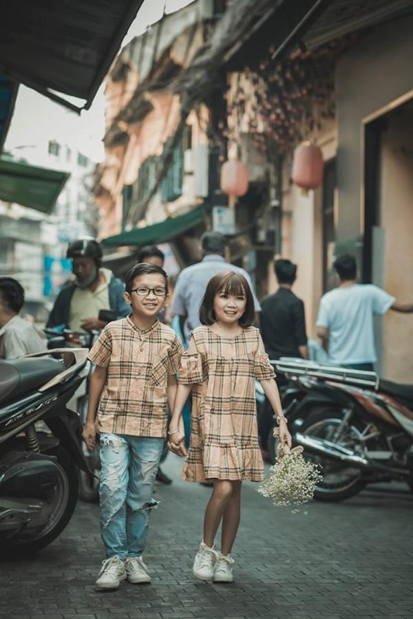 Cặp đôi tí hon nhất Việt Nam khoe ảnh cưới, dân mạng giật mình vì thân hình quá giống học sinh-2