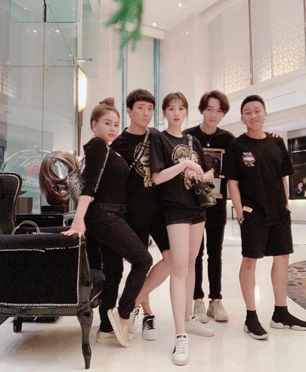 Nhóm bạn thân nhiều ca sĩ, diễn viên nổi tiếng của Trấn Thành-2