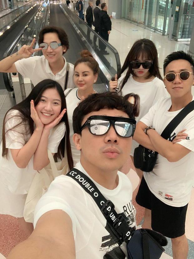 Nhóm bạn thân nhiều ca sĩ, diễn viên nổi tiếng của Trấn Thành-3