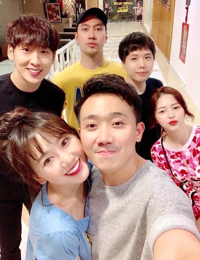 Nhóm bạn thân nhiều ca sĩ, diễn viên nổi tiếng của Trấn Thành-5