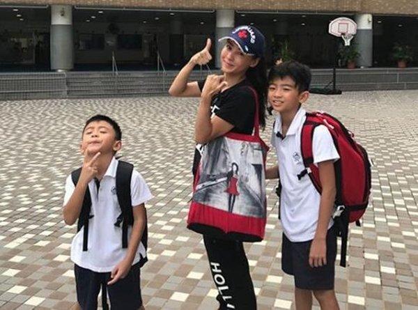 Sống lỗi như Tạ Đình Phong: Con trai cả công khai nói bố không xứng với mẹ Trương Bá Chi-1