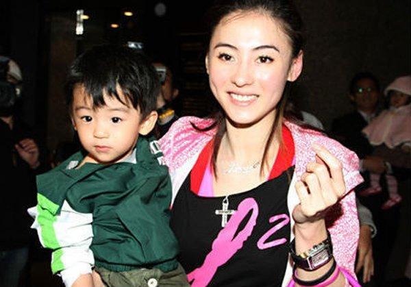 Sống lỗi như Tạ Đình Phong: Con trai cả công khai nói bố không xứng với mẹ Trương Bá Chi-4