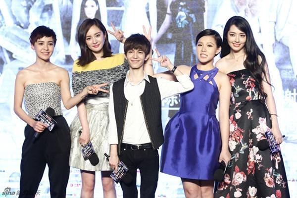 Vương Bảo Cường, Lưu Diệc Phi xấu hổ khi nhận giải điện ảnh tệ nhất-4
