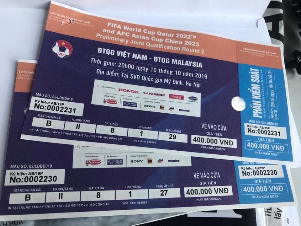 Trước trận Việt Nam - Malaysia: Choáng váng với giá vé chợ đen-2