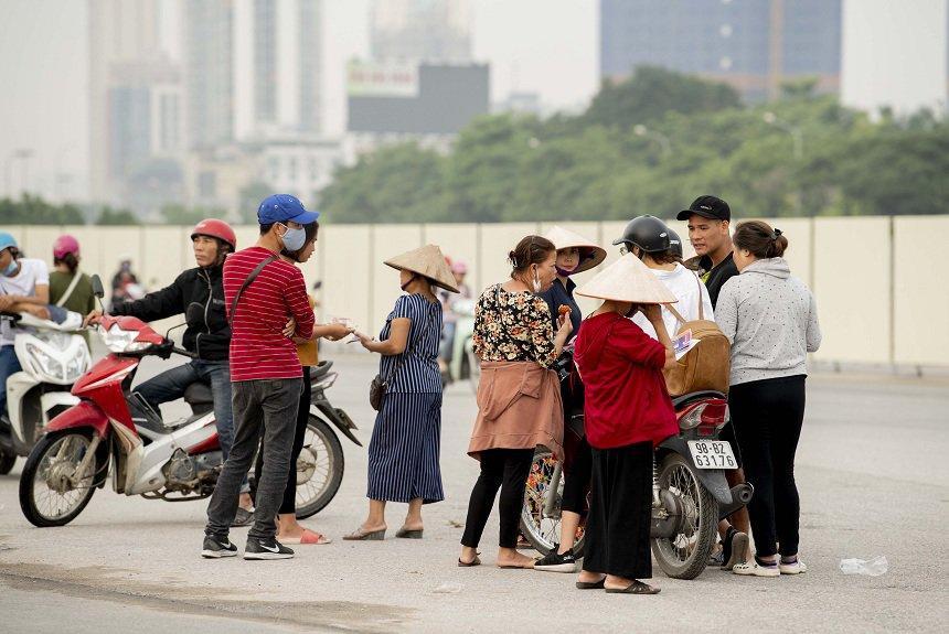 Trước trận Việt Nam - Malaysia: Choáng váng với giá vé chợ đen-3