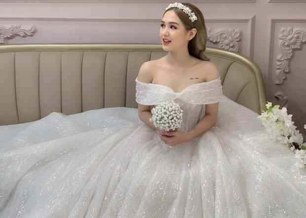 Hé lộ ảnh cưới chụp vội của streamer giàu nhất Việt Nam và bạn gái kém 13 tuổi-7