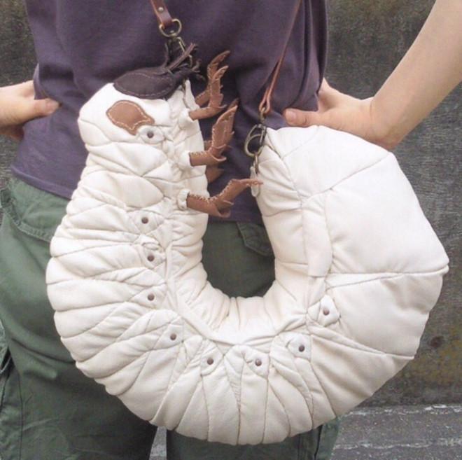 Túi xách giống con gián, sâu bọ khiến nhiều người nổi da gà-3