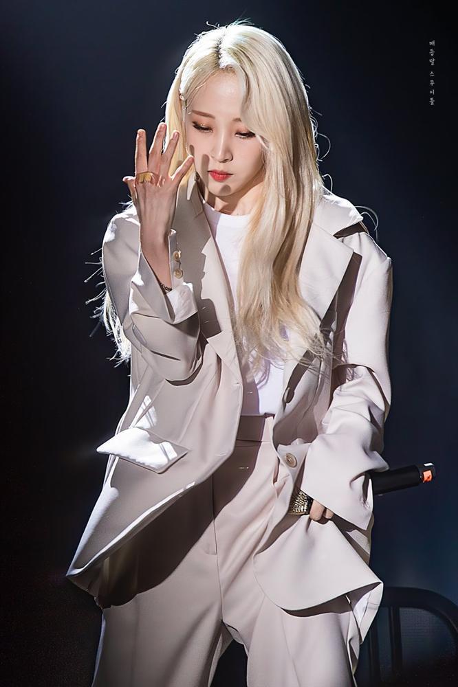 Không chỉ nhan sắc cực phẩm, 4 nữ idol đình đám này còn sở hữu chất giọng trầm khàn cực hiếm của Kpop-2