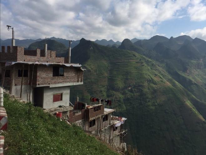 Hà Giang muốn tháo dỡ, chủ nhà nghỉ Mã Pì Lèng xin giữ nguyên 7 tầng-2