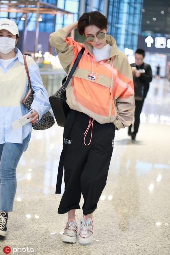 Phạm Băng Băng và tình địch một thời đọ style cool ngầu ở sân bay-1