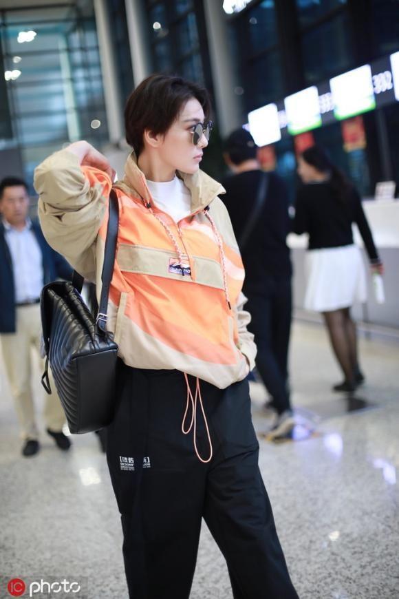Phạm Băng Băng và tình địch một thời đọ style cool ngầu ở sân bay-3