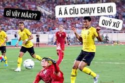 Cầu thủ Malaysia hóa meme của dân mạng sau điệu nhảy xòe cánh