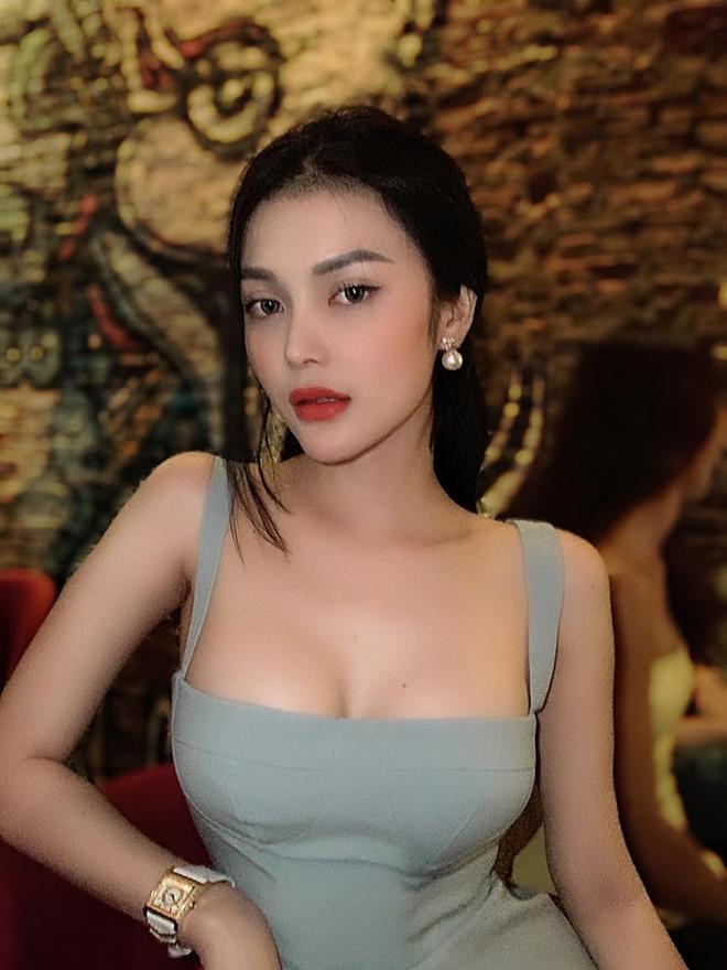 Sắc vóc của 4 sao Việt đóng phim kinh dị gắn mác 18+-11
