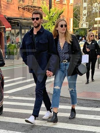 Liam Hemsworth hẹn hò với sao nữ gợi cảm sau ly hôn-1