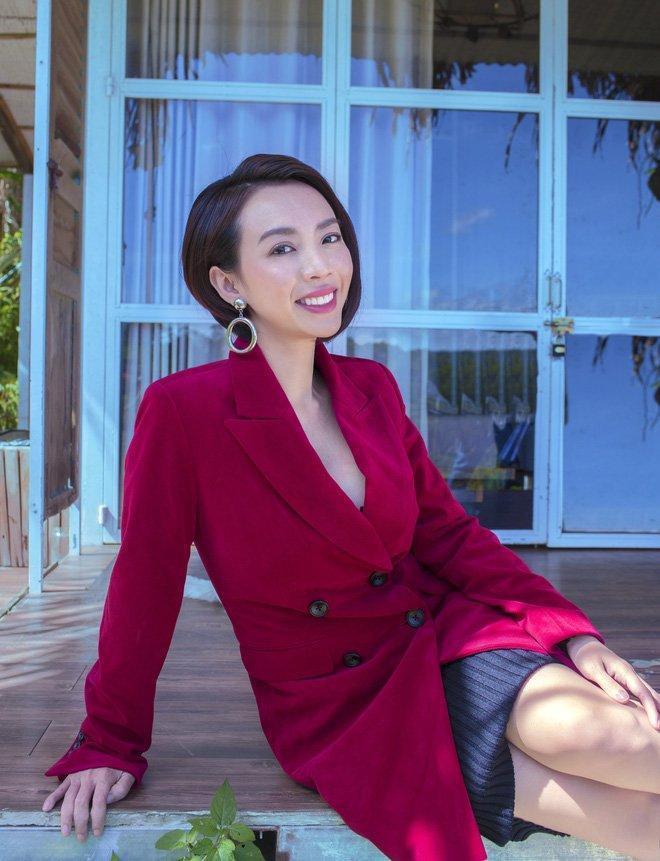 Không phải siêu mẫu hay hoa hậu, làng hài Việt vẫn có những mỹ nhân ăn diện cực bốc lửa-15