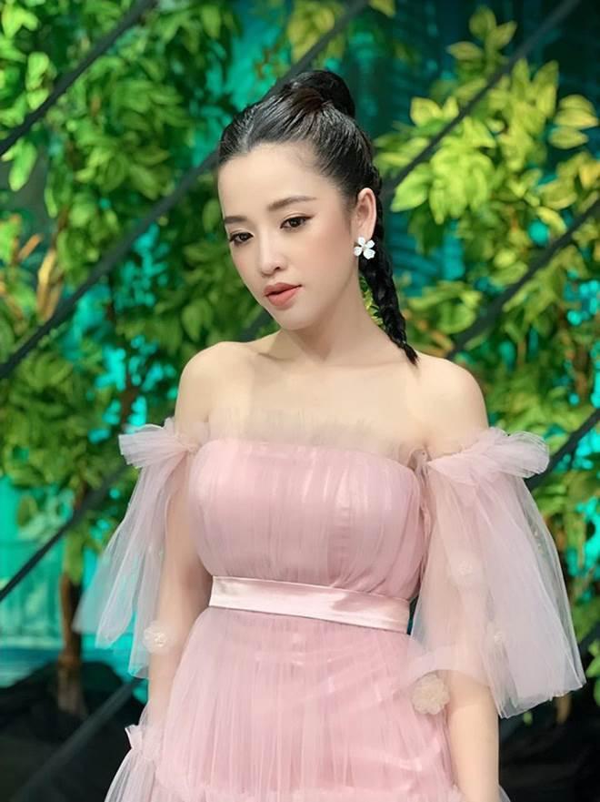 Không phải siêu mẫu hay hoa hậu, làng hài Việt vẫn có những mỹ nhân ăn diện cực bốc lửa-6