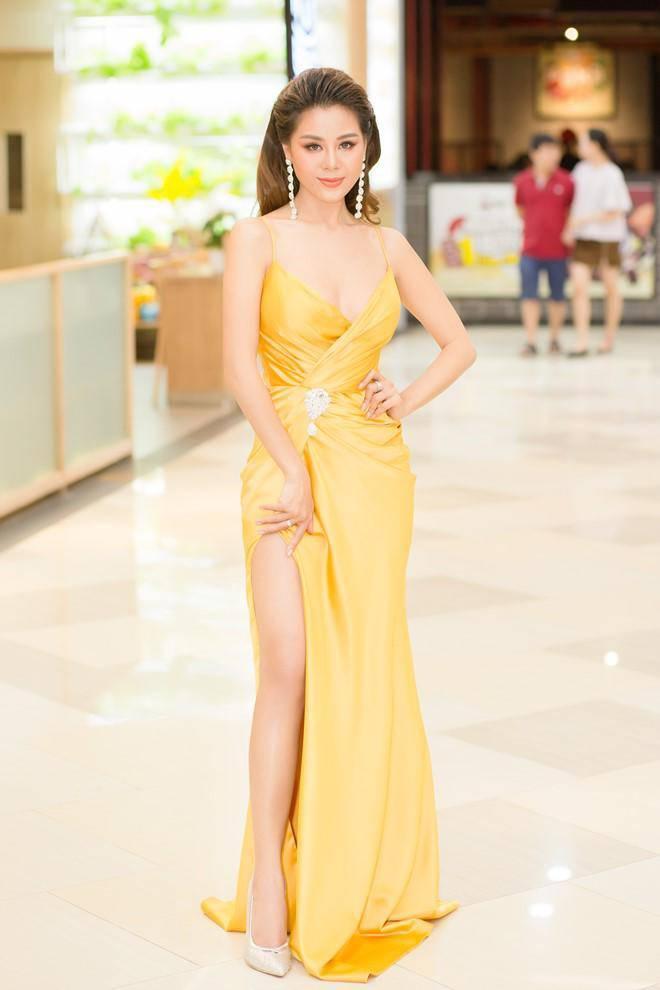 Không phải siêu mẫu hay hoa hậu, làng hài Việt vẫn có những mỹ nhân ăn diện cực bốc lửa-1