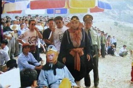 Đoàn phim 'Tây Du Ký 1986' từng bị nhầm là tội phạm bỏ trốn