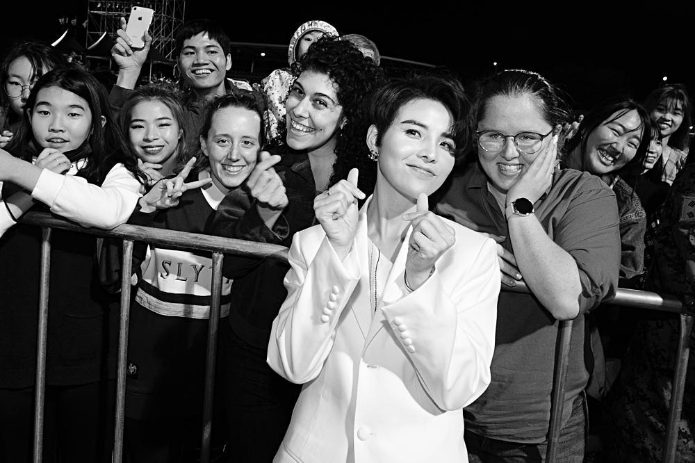Fan Việt chê bai nhưng khán giả người Mỹ lại khóc khi xem Vũ Cát Tường trình diễn tại Asia Song Festival-8