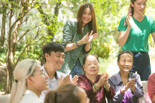 Quần áo hàng hiệu không thiếu, Hương Giang vẫn diện áo giá rẻ suốt 2 năm trời-4