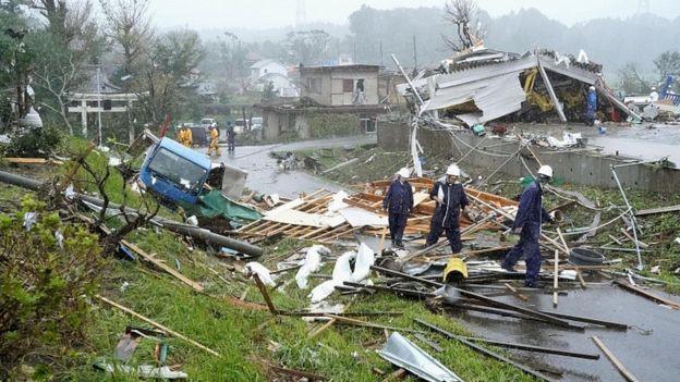 Siêu bão Hagibis chính thức đổ bộ vào Nhật Bản, khiến ít nhất 1 người chết, 33 người bị thương, dự kiến xả đập khiến nguy cơ lũ lụt trên diện rộng-2