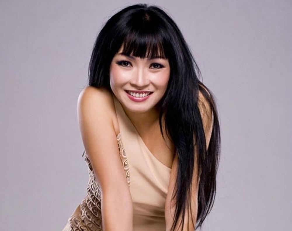 Phương Thanh dằn mặt bầu show về tôn ti trật tự trên poster quảng cáo, điểm mặt chỉ tên cả Hồ Ngọc Hà, Mỹ Tâm-2