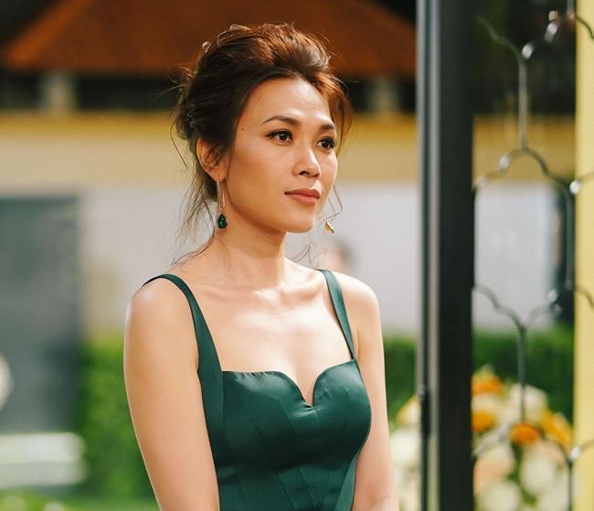 Phương Thanh dằn mặt bầu show về tôn ti trật tự trên poster quảng cáo, điểm mặt chỉ tên cả Hồ Ngọc Hà, Mỹ Tâm-4