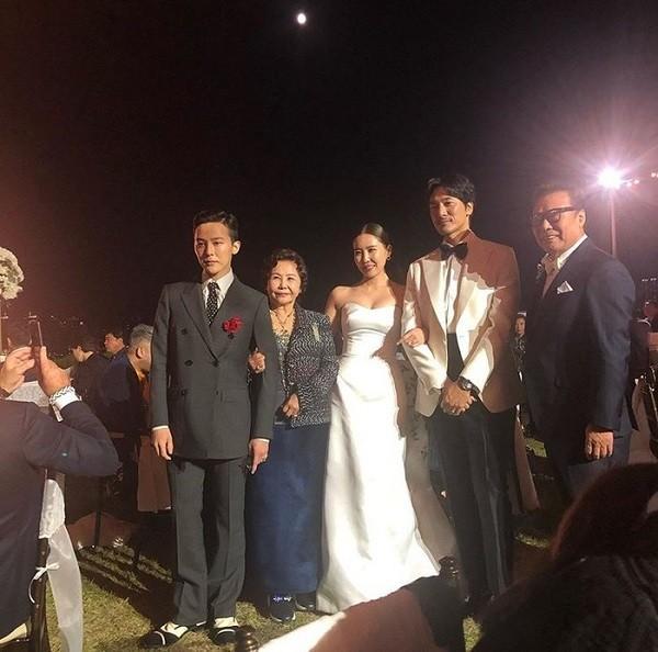G-Dragon bảnh bao dự đám cưới chị gái và những lần chàng thơ Chanel khiến triệu cô gái đổ gục với suit-1