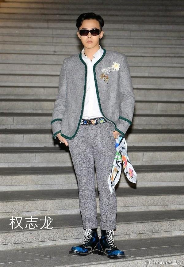 G-Dragon bảnh bao dự đám cưới chị gái và những lần chàng thơ Chanel khiến triệu cô gái đổ gục với suit-4