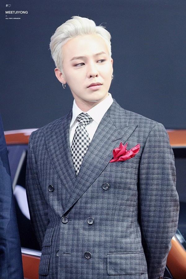 G-Dragon bảnh bao dự đám cưới chị gái và những lần chàng thơ Chanel khiến triệu cô gái đổ gục với suit-5