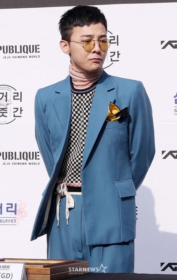 G-Dragon bảnh bao dự đám cưới chị gái và những lần chàng thơ Chanel khiến triệu cô gái đổ gục với suit-9