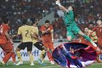 Sau khi giúp Việt Nam giữ sạch lưới trước Malaysia, Đặng Văn Lâm khoe làm supermen giải cứu thế giới
