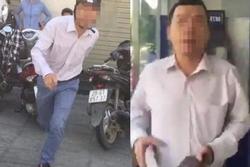 Lộ danh tính người đàn ông đánh một phụ nữ vì bị nhắc xếp hàng khi rút tiền