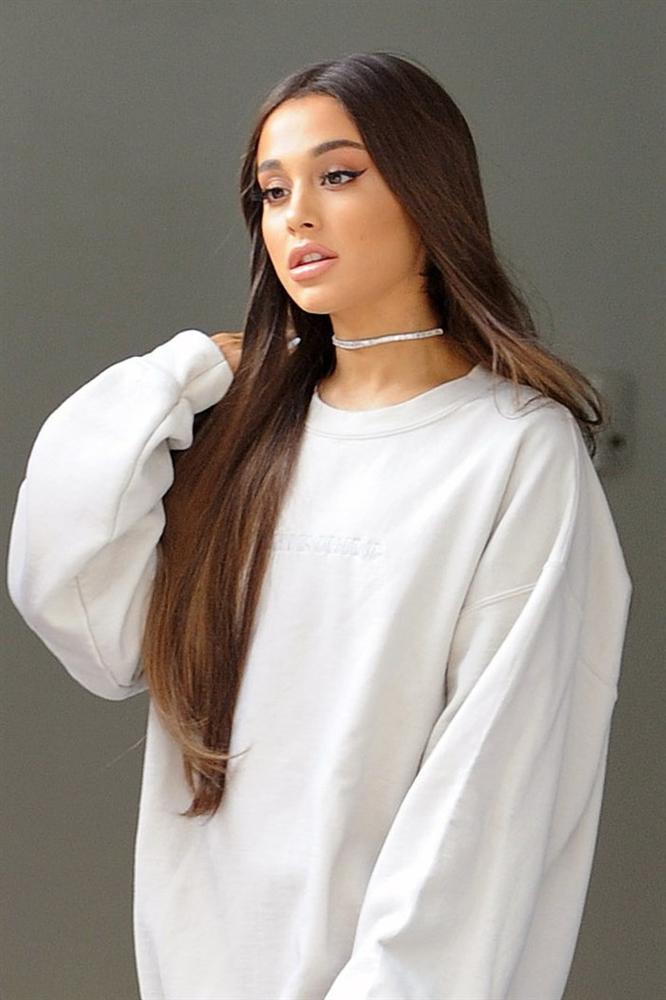 Dụi mắt không nhận ra Ariana Grande bánh bèo nhập khi không buộc tóc đuôi ngựa-5