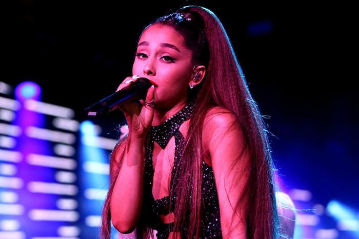 Dụi mắt không nhận ra Ariana Grande bánh bèo nhập khi không buộc tóc đuôi ngựa-1