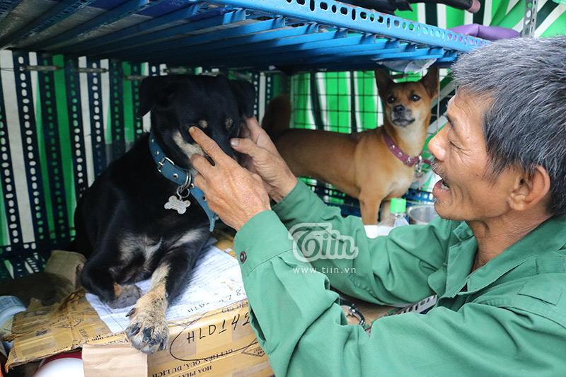 Người cha già nhặt nhạnh từng chiếc ve chai, cưu mang đàn con tật nguyền giữa Sài Gòn hoa lệ-4